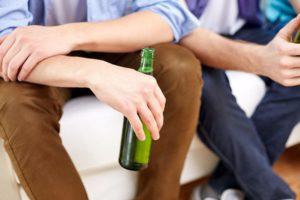 Алкоголизм в молодом возрасте: как избежать проблемы?